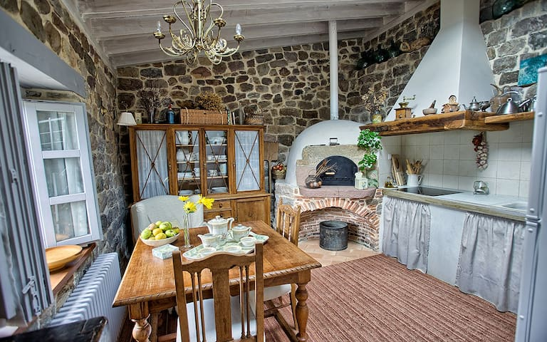 The Cottage - Maria's Rural House