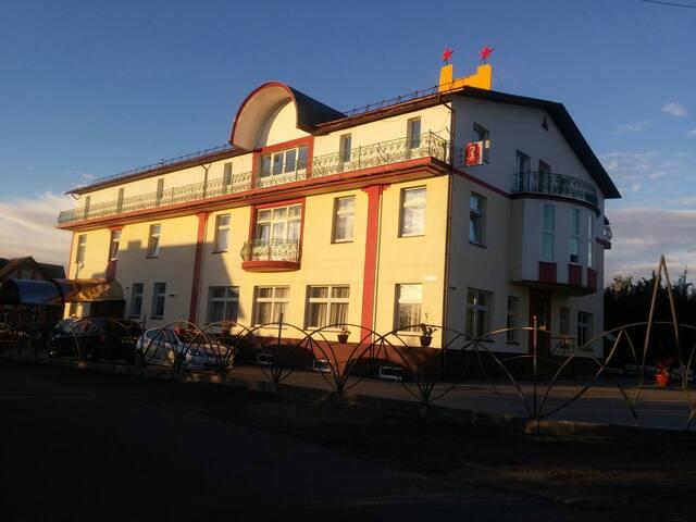 Мини-отель с чистой экологией близко от центра - Боровляны