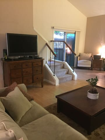 Quiet, cozy, 3 BR condo near Bart!! - Walnut Creek - Wohnung
