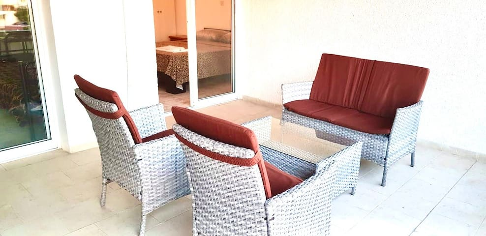 1 bedroom PARALIMNI apartment with all amenities.