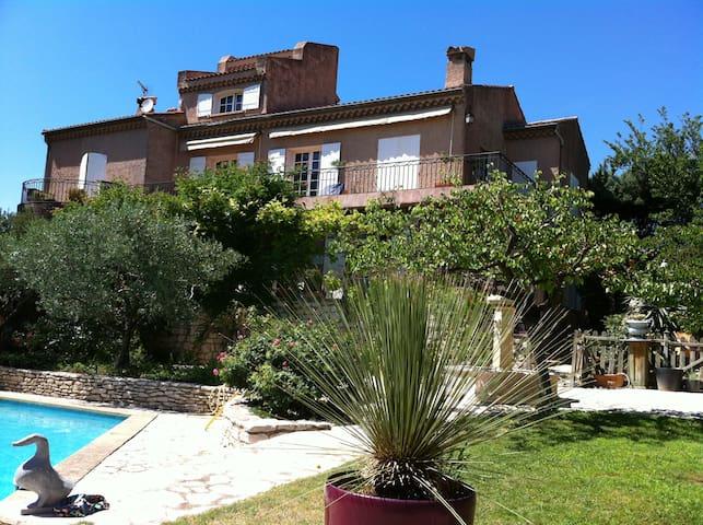 Très belle villa à piscine entre Aix et Côte Bleue - La Fare-les-Oliviers - Casa