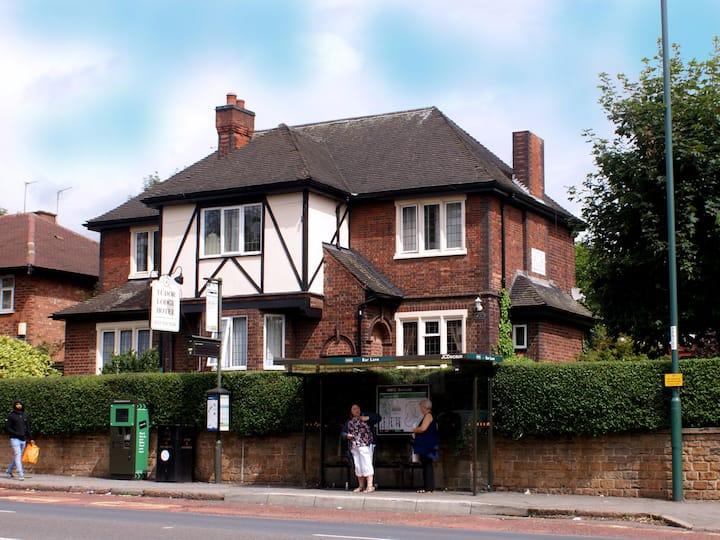 Tudor Lodge Bed and Breakfast Hotel