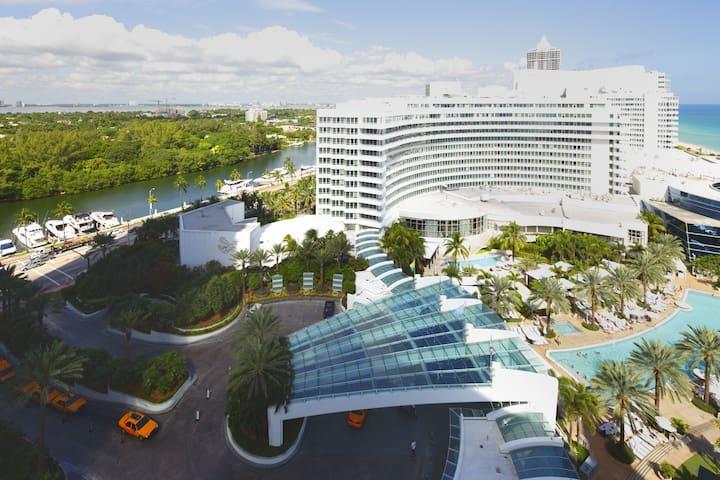 Fontainebleau Hotel Oceanview Sorrento Junior suite