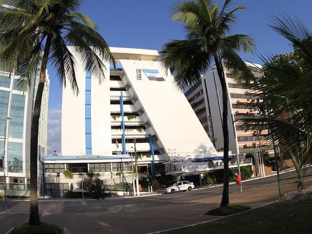 Flat beira mar inserido em Hotel na  Pajuçara