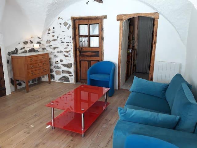Studio +CM  avec jardin privatif à Cervières