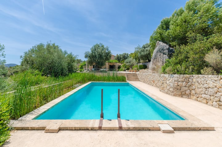 PUIG DE GARRAFA - Villa with sea views in Andratx. Free WiFi