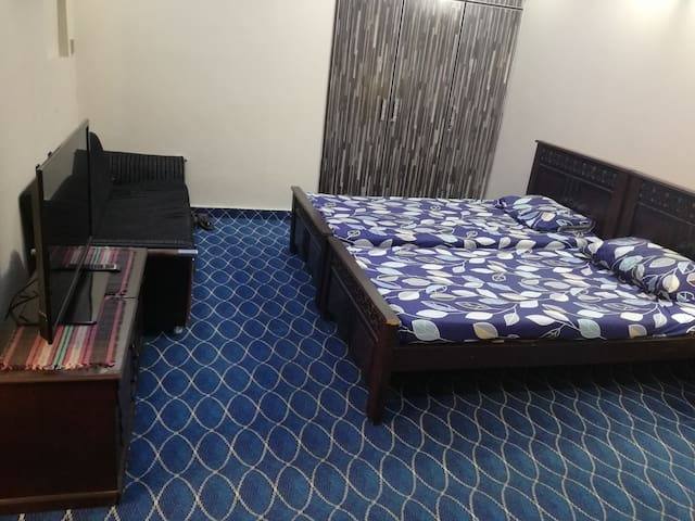 Royal Family Room near Airport and DHA.