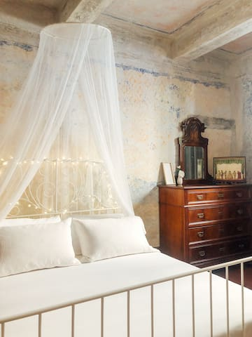 Splendida stanza luminosa in stile rinascimentale