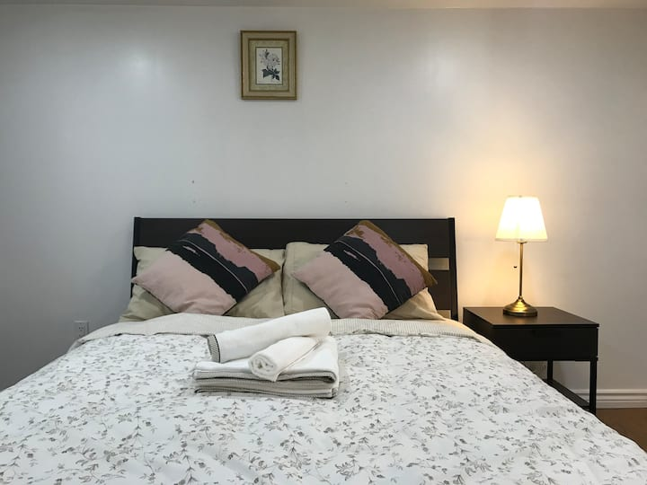 Comfy BR⭐️Free Parking+TV/3' to Subway-Shops-Market