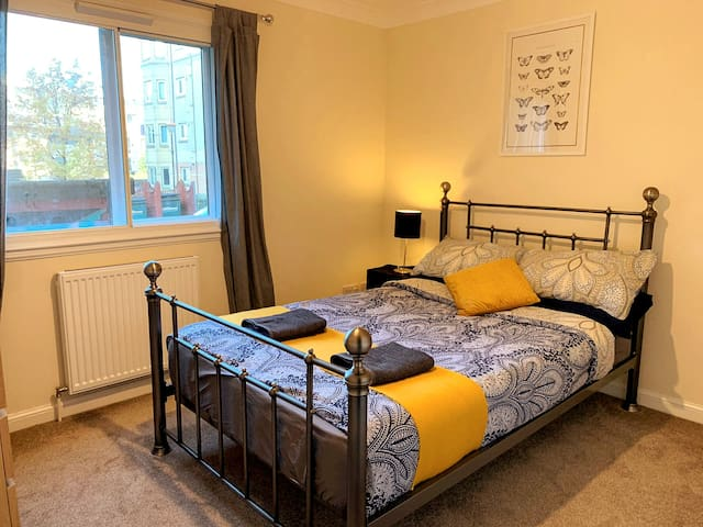 Cosy Central Room w/ Extras ★ 2750+ Reviews - R23