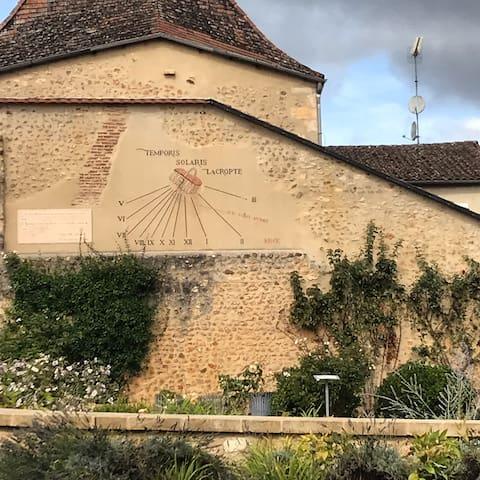 Le village de Lacropte