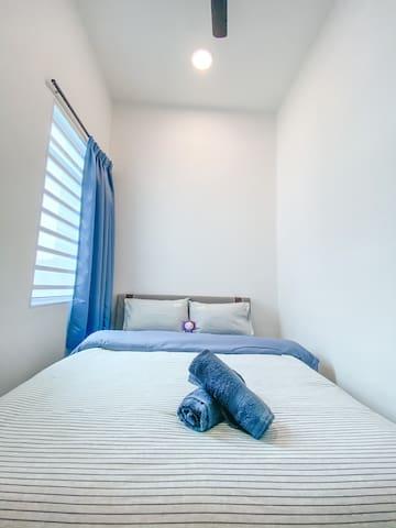 Bedroom (ground floor).