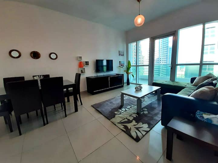 Sea view 1bhk with high floor marina pinnacle 4003