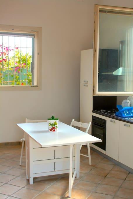 Kitchen-dining room/ Cucina-sala da pranzo