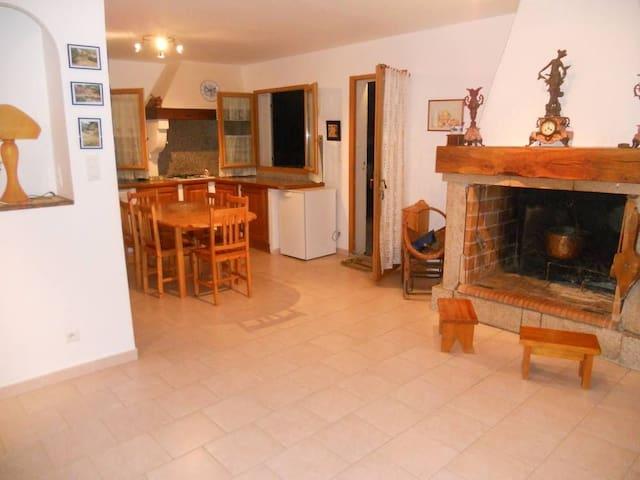 Grande maison tout confort à 20 mn des plages - Letia - Casa