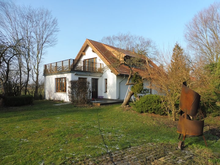 Idyllisches Landhaus in den Wiesen unweit Berlin