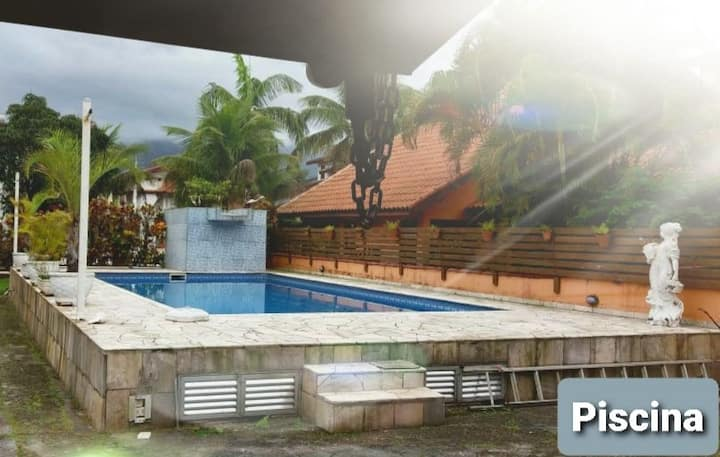 Casa com piscina e wi-fi no Cond. Morada da Praia