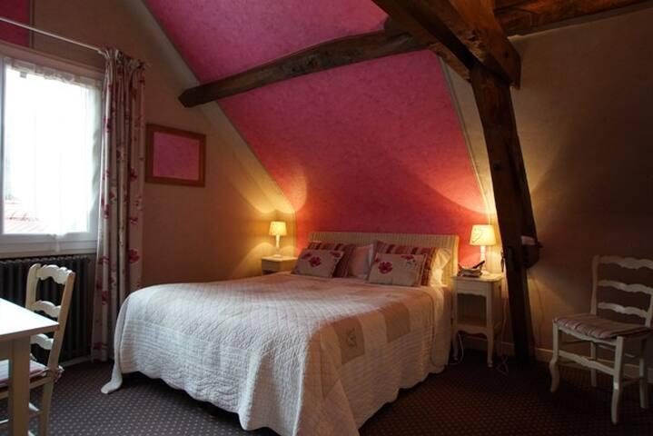 Chambre double dans un Hôtel logis de charme