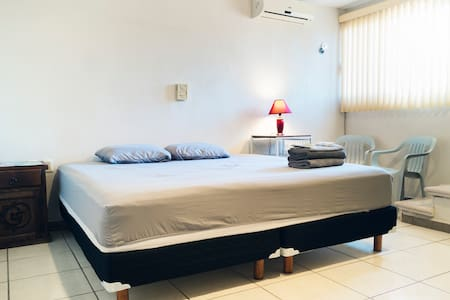 Comfortable Room in Downtown Campeche, Mexico. - Кампече - Дом