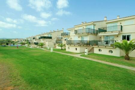 Apartament amb piscina al Golf Panoramica