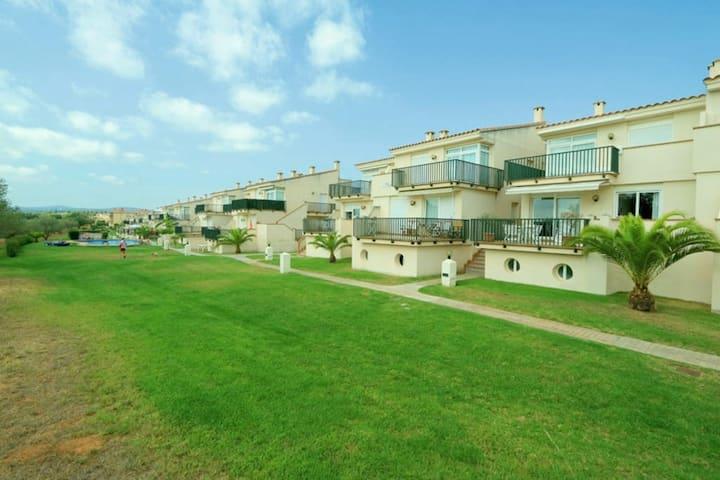 Apartamento con piscina en Golf Panoramica
