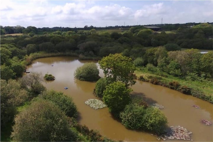 Lakeside stay with exclusive use of all 4.8 acres