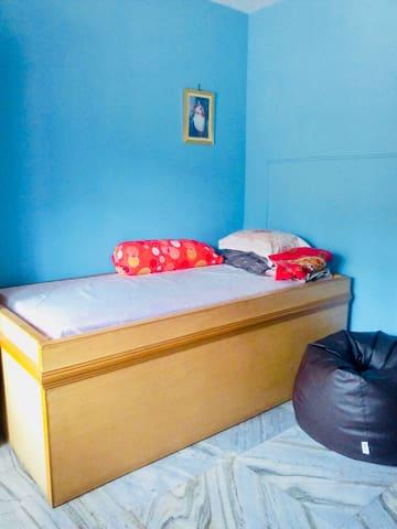 Bed room 1 divan bed