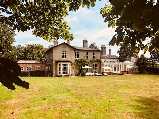 Somerleyton Meadows B&B.  The Somerley Suite.