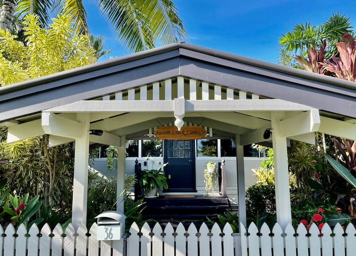 ♥Palm Cove Cottage♥Heated Pool★200m to Beach★Pets★