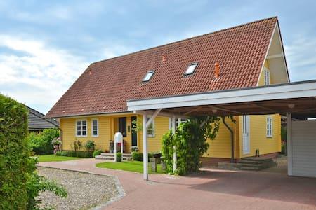Varmt Välkommen - Tüttendorf