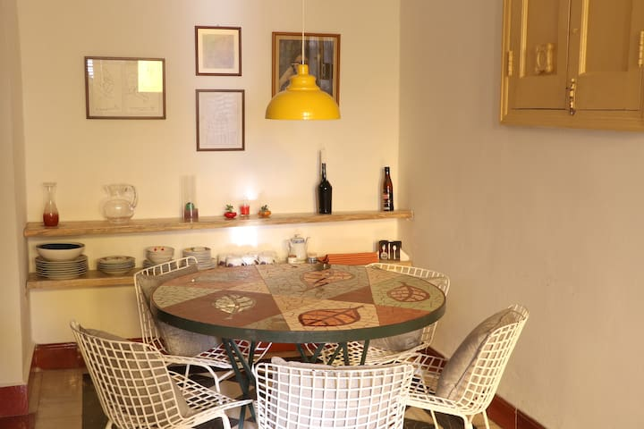 Spacious and centric apartment in La Havana, at a walking distance from the Malecón