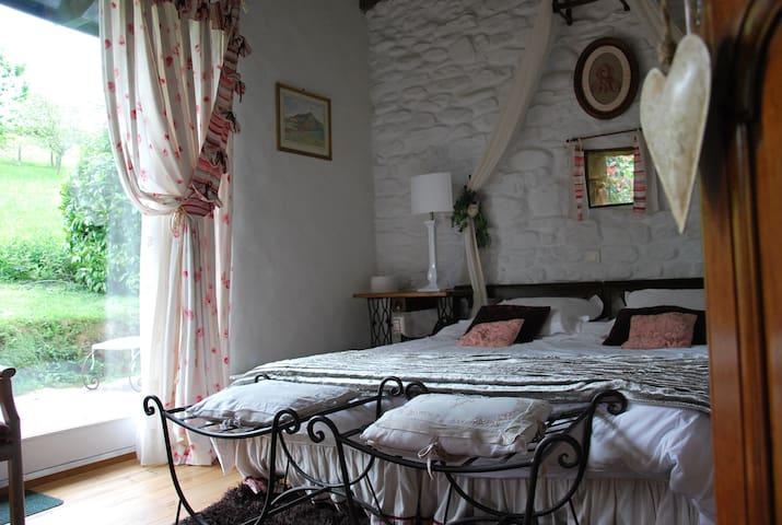 Chambres d'hôtes de charme, Sare - La Bergerie