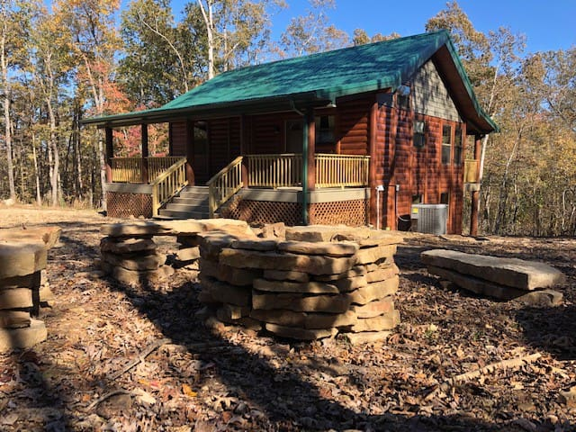 Hawksbill Crag Luxury Cabin Getaway