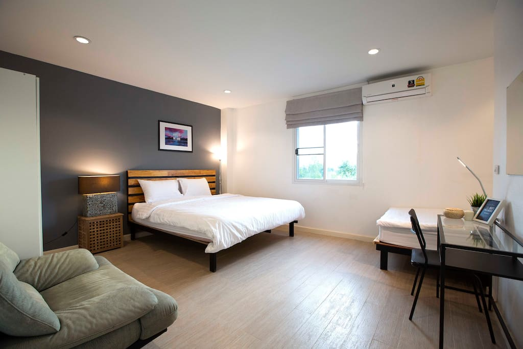 sleeping well deluxe triple room hostels for rent in tambon wiang chang wat chiang rai. Black Bedroom Furniture Sets. Home Design Ideas