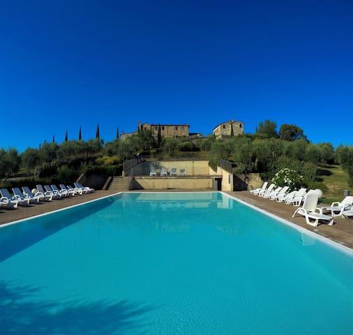 Relax nel Borgo Monaci - Siena - House