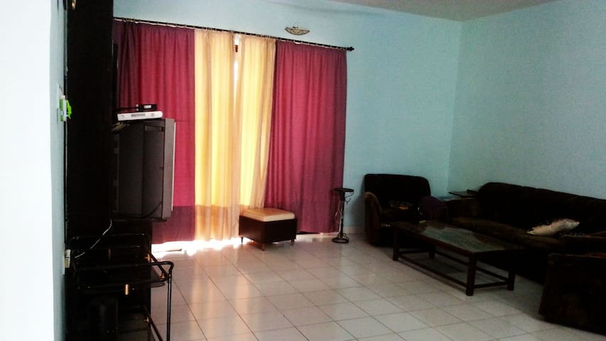 1 private master bedroom in Fully Furnished Villa
