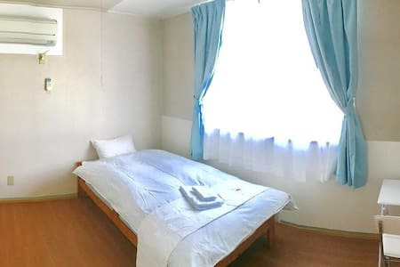 FreeWi-Fi! 8 min from Kui Station! Single room!