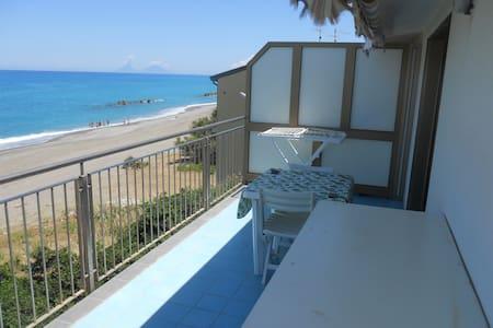 Wonderful Apartment in Sicily - Capo D'orlando - Leilighet