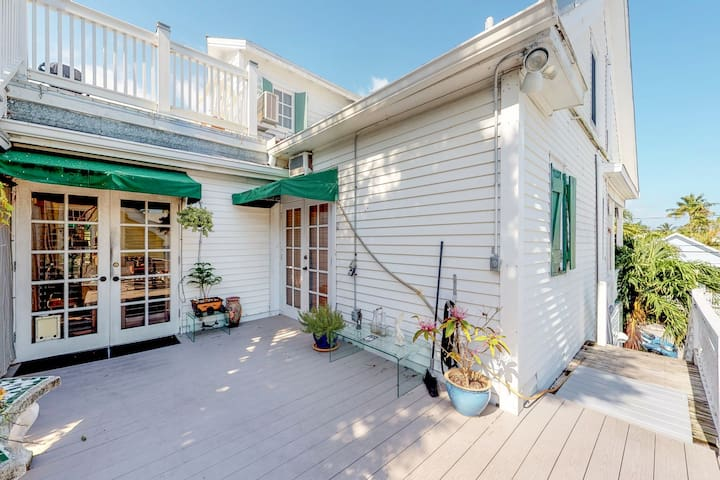 NEW LISTING! Charming Key West apartment - easy walk to shops, dining & seaport!