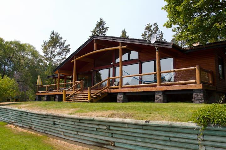 Columbia Lake Cabin Escape