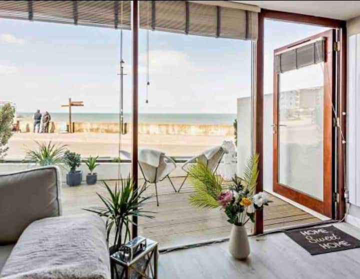 9 Nautilus Luxury Sunset and Beach view Apartment
