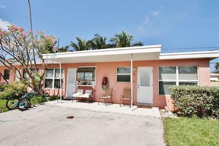 Ocean Isles 118 ~ Tropicana - Marathon - Apartamento