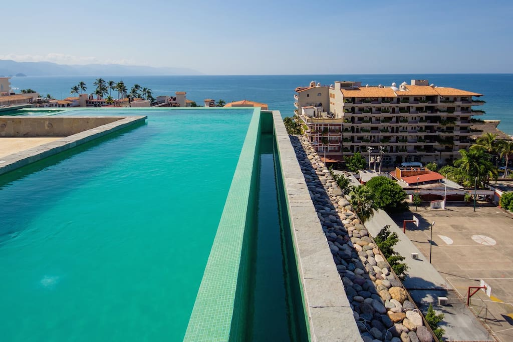 Rooftop Pool Pacifica-208