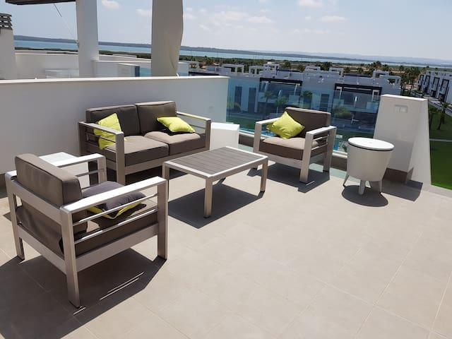 Oasis Beach XI-Appart.3 chambres + solarium 90m2