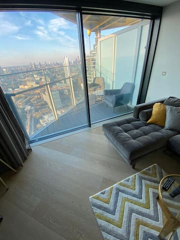 Condo in HighRise Building- Central London