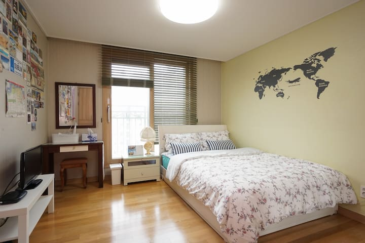 #1 Apartment near KTX Gwangmyoung sta.