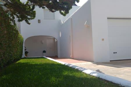 Casa en Puerto Rey a 270m de la playa con Wifi