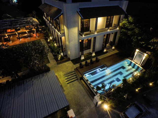 A Unique Stay & Experience at Oriental Pool Villa - Mueang Chiang Mai District - Casa