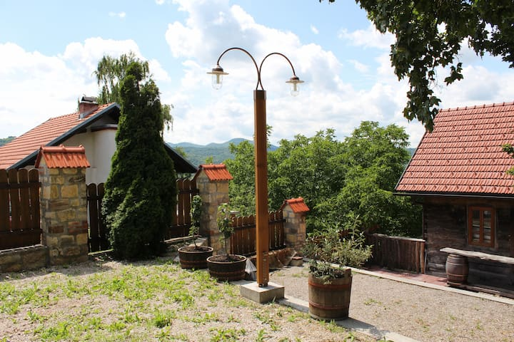 Authentic Rural Family House - Samobor