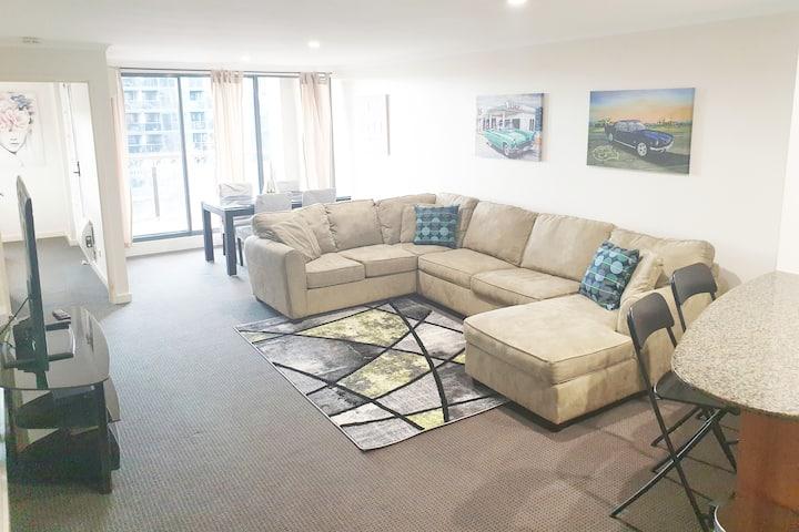Spacious 1BR Apartment! Free car park & WiFi